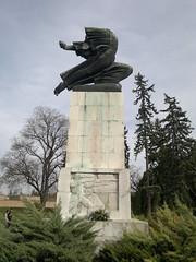 20161025_113656 (vale 83) Tags: monument kalemegdan gratitude france park belgrade serbia nokia n8 lunaphoto friends autofocus flickrcolour