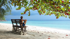 Monsoon's coming @ East coast of Malaysia peninsular (aantwaarpe) Tags: kapas monsoon beach ocean malaysia autumn sea bench pulaukapas challengeyouwinner smile saturday smileonsaturday madeofwood