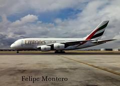 A-380 (pipeviii) Tags: emirates airbusa380 aeropuertomadridbarajas