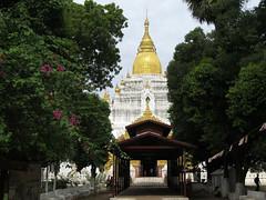 "Amarapura: la pagode Kyauktawgyi <a style=""margin-left:10px; font-size:0.8em;"" href=""http://www.flickr.com/photos/127723101@N04/22845336350/"" target=""_blank"">@flickr</a>"
