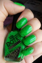 Kiwi - Dote (lissa_is) Tags: green glitter nail nailpolish dote esmalte