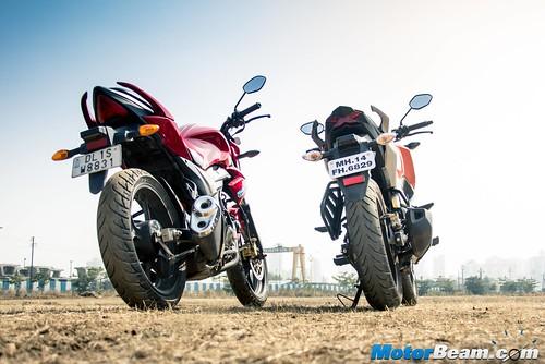 Suzuki-Gixxer-vs-Honda-CB-Hornet-160R-15