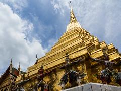 Thailand (Jeff la Brique) Tags: thailand temple inexplore travel asia bluesky wow sky blue cloud summer