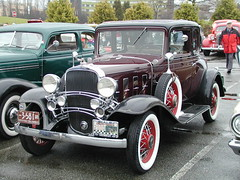 Chevrolet Series BA Confederate 1932 6cyl (D70) Tags: olympus digital camera vintage cars boxing day 2000 planetarium parking lot vancouver bc canada youtube6zh7btmp9e chevrolet 1932 6cyl ba vccc car club vintagecarclubofcanada