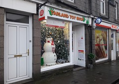 Tarland Post Office and Toy Shop (MacP2007) Tags: postoffice snowman spar tarland toyshop
