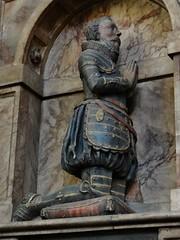 ca. 1619 - 'Thomas Seymour, Esq. (+1600) and Isabel Onley (+1619)' (Epiphanius Evesham?), St. Margaret's Church, Westminster, London, England (RO EL (Roel Renmans)) Tags: 1600 1619 thomas seymor seymour isabel onley st saint margarets church westminster london margaret epiphanius evesham monument effigy kneeling praying tomb tombeau grabdenkmal grabmal sepulchre grafmonument wandgraf grave armor armour armure rüstung harnas jacobean ruff londen londres england angleterre engeland uk