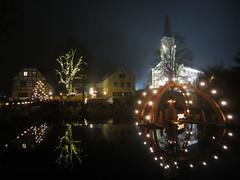 Beginn der Weihnachtszeit (T..i..m..o) Tags: lights lichter weihnachtsbeleuchtung church kirche teich beleuchtung christmas weihnachten schwimmbogen sachsen bärnsdorf weihnachtsmarkt advent