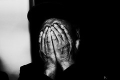 no.963 (lee jin woo (Republic of Korea)) Tags: snap photographer street blackandwhite ricoh mono bw shadow subway self hand gr korea snapshot streetphotograph photography monochrome 흑백사진 거리사진 대한민국