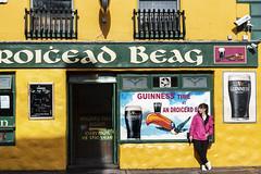 An Droichead Beag (Flapweb) Tags: androicheadbeag dingle countykerry ireland street guinness