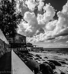 il mare di Scilla in bw (paolotrapella) Tags: scilla calabria mare acqua nuvole cielo clouds sky italy