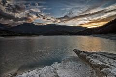 Sunset at Fiastra lake (Luca-Anconetani) Tags: lago fiastra nature water lucaanconetani marche travel italy natura riva roccia rocks paesaggimarchigiani lagodifiastra sera tramonto sunset