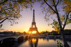 Good morning Paris (O.Ortelpa) Tags: paris france eiffel tower tour sunrise architecture cityscape urban seine river dream postcard autumn automne landscape morning dawn