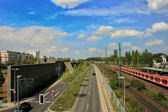 Summer in the city (pattaoverhage) Tags: road street city summer sky cloud building skyline train outdoor sommer himmel railway structure freeway stadt düsseldorf landschaft strase