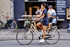 I want to ride my bicycle (os♥to) Tags: sony alpha77 a77 slt august2015 bicycle bike bici vélo rower bicicleta fietssykkel cykel velo fahrrad street streetphotography candid people