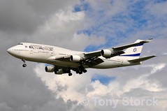 4X-ELE (bwi2muc) Tags: plane airplane flying airport heathrow aircraft aviation boeing 747 spotting lhr heathrowairport 747400 elal londonheathrow elalisraelairlines 4xele