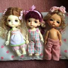 Belle Peas in a Pod (Chassy Cat) Tags: tinies wig tiny overalls belle bjd sherbet mystic bayer latidoll lati lollydolly