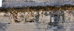 Saint-Restitut - Saint-Restitut (Martin M. Miles) Tags: france 26 frieze paca beast knight rhonealpes devouring drme louisxi tricastin funerarytower universalspider saintrestitut louistheprudent norudder artromanprovenal tourfunraire sidonius theemarys