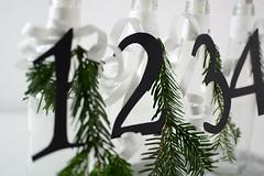 Adventskranz-Flaschen_3 (_windprincess) Tags: black diy handmade adventwreath adventskranz doityourself simpel skandinavisch skandinavian