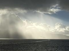 Himmeltatt -|-  Skyplay (erlingsi) Tags: erlingsi iphone sky light himmel sognefjorden norway skyplay nature camphone kameramobil