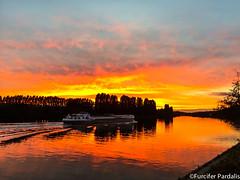 Furcifer Pardalis (Furcifer pardalis) Tags: couchedesoleil couche de soleil sunset sun river sky colors water