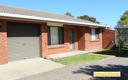 2/8 Illoura Street, Tamworth NSW 2340