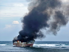 Kapalnya Masih Terbakar (BxHxTxCx (using album)) Tags: ship kapal kapallaut terbakar fire