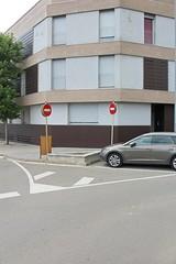 Plaa de l'Estaci, Sant Celoni, CAT (Jickatrap) Tags: canon canoneos1300d     suburbia    photographersontumblr newtopographics urbanlandscape  santceloni