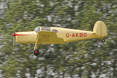 G-AKBO (QSY on-route) Tags: york light fly aircraft vale strut association laa in of gakbo 08082015