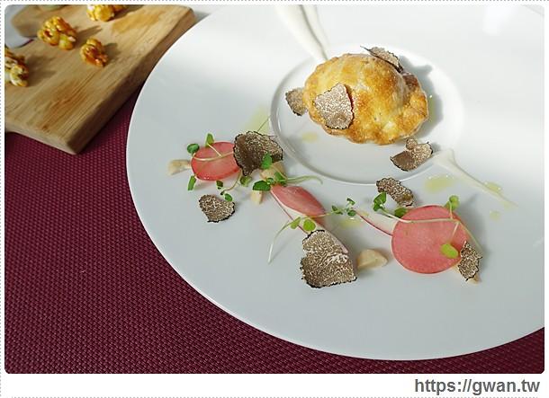 台中美食,Beluga,景觀泳池餐廳,情人節餐廳推薦,法式料理,法式餐廳,法式餐酒館,西屯,台中12期,酒吧-20-1-449-1