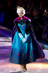 Queen Elsa (IPAirshowPhoto) Tags: frozen elsa waltdisney disneyonice disneycharacter worldsofenchantment elsascoronationday