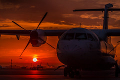 Airport sunset (Matthias-Hillen) Tags: sunset red sky sun rot amsterdam clouds plane airplane airport sonnenuntergang himmel wolken matthias flughafen flugzeug propeller sonne schiphol hillen propellermaschine matthiashillen