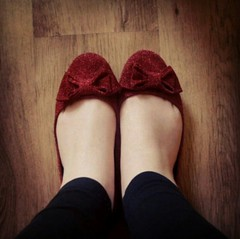 IMG_20151018_113340 (Nicolaspeakssometimes) Tags: shoes redshoes rubyslippers