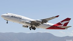Boeing 747-438 / Qantas / VH-OJT (Vicente Quezada /// Photography) Tags: chile santiago aviation off civil take rolls boeing qantas 747 royce jumbo b747 comercial scl rotate aviación 744 747438 b744 vhojt scel civilean