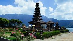Pura Ulun Danu Bratan (Luqman Agung W) Tags: bali lake indonesia temple culture spiritual hindu pura ulun danu danau bratan beratan bedugul