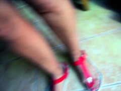 Blurred (Konakilo) Tags: legs sandals minimal sandalias piernas