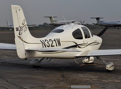 N321W Fairoaks 25 October 2016 (ACW367) Tags: n321w cirrus sr20gts aircraftguarantycorptrustee fairoaks