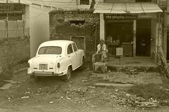 Benarés. India (chemadesaa) Tags: india asia coche power brake benarés varanasí