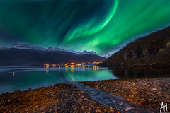 aurora at elvegrd hytteutleie (mohdakhter) Tags: aurora northern lights norway longexposure green water sky nightphotography canon