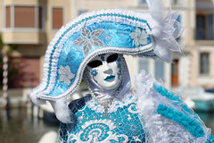 CREAVUE-EL PADRE PICTURE (thierrymuller) Tags: art thierrymuller elpadrepicture photo photographie portrait d610 french france frenchtouch mamanano bleu color couleur carnaval nikonpassion nikon venise costume mditerrane canaux provence