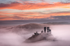 Autumn Corfe Castle Mist (Stu Meech) Tags: corfe castle sunrise mist fog colour nikon d750 24120 leefilters dorset stu meech