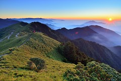 合歡山主峰~日落~ Sunset (Shang-fu Dai) Tags: 台灣 taiwan 合歡山 主峰 3416m 3417m 雲海 clouds sunset hehuan nikon d800e mthehuan 夕陽 landscape 戶外 formosa 天空