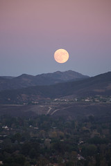 Super[hyped] Moon (Archer_37) Tags: moon supermoon november 2016 moonrise california periapsis