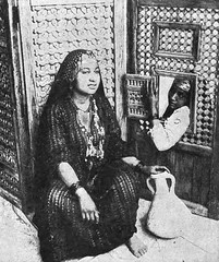 02_Cairo - Egyptian Woman (usbpanasonic) Tags: woman northafrica muslim islam egypt culture nile cairo nil egypte islamic مصر caire moslem egyptians misr qahera masr egyptiens kahera