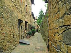 Montichiello , Il borgo, The Ancient village (michele masiero) Tags: italia eu siena toscana valdorcia vicolo borgo montichiello ilborgodimontichiello