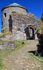 DSC05306 (villeveta) Tags: stone ruin sten canopy fortress valv fstning velivilppu