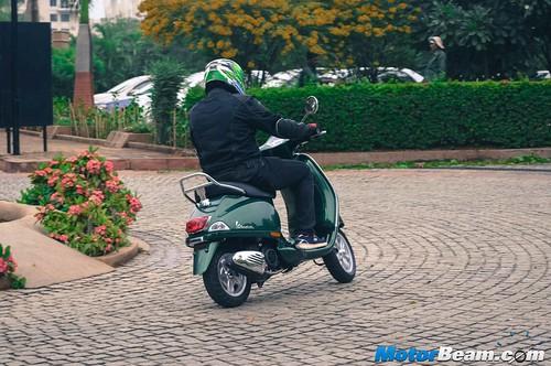 Piaggio-Vespa-150-11