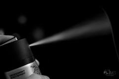 Al salir (Nando Verd) Tags: blanco contraluz monocromo perfume body negro spray alicante mano axe colonia silueta dedo deodorant botella objeto elda aroma forma bote cuerpo petrer desodorante sudor olor axila sobaco baticao