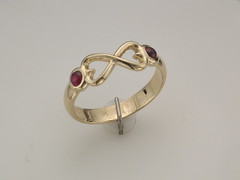 Infinity hearts 14kt yg w cab rubies ring