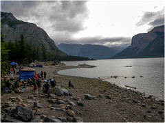 Lake-Minnewanka-in-Banff-National-Park-(10) (F. Ovies) Tags: canada montaas rocosas