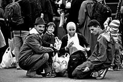 Agotados y hambrientos... (CarlesBatista87) Tags: europa refugees isis croacia siria refugiados tovarnik opatovac crisismigratoria